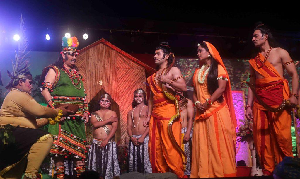 Union Minister Vijay Sampla's performance as Nishad Raj in LuvKush Ramleela!