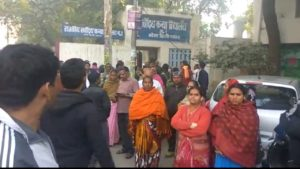 नरेला में टीचरों की पिटाई, कल हो सकती है दिल्ली में सरकारी स्कूलों की हडताल