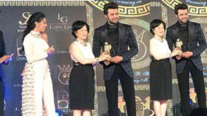 Maniesh Paul Wins The SAAF's Best Host In Asia Award In Hong Kong