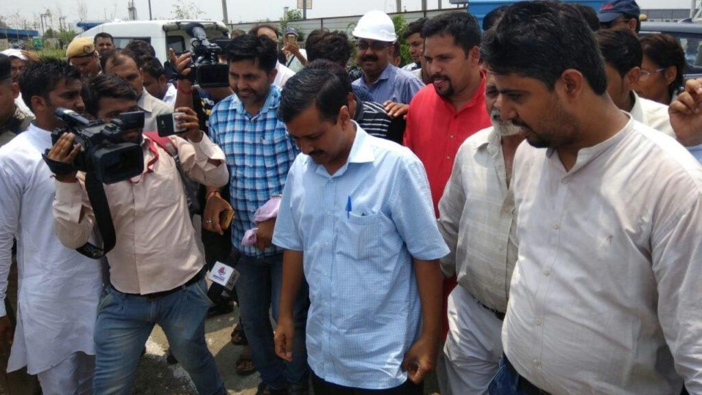 Kejariwal at Water treatment