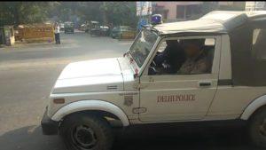 दिल्ली में स्नेचिंग के दौरान बचाव में आये लड़के को गोली मारी