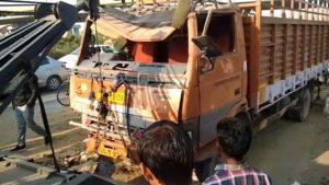 दिल्ली के मुंकुन्दपुर में बेकाबू टेम्पो का कहर एक छात्रा और टेम्पो ड्राइवर की मौत , दो छात्रों की हालत गम्भीर