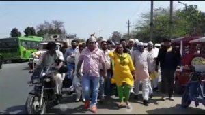 बवाना AAP ने BJP के मेनिफेस्टो जलाया कहा वायदा पूरा नही हुआ। क्या AAP के सभी वायदे पूरे हुए