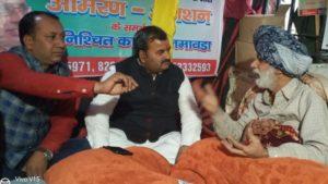 जातिगत आरक्षण के विरोध में 43 दिन से अनशन पर है रविन्द्र जठेड़ी